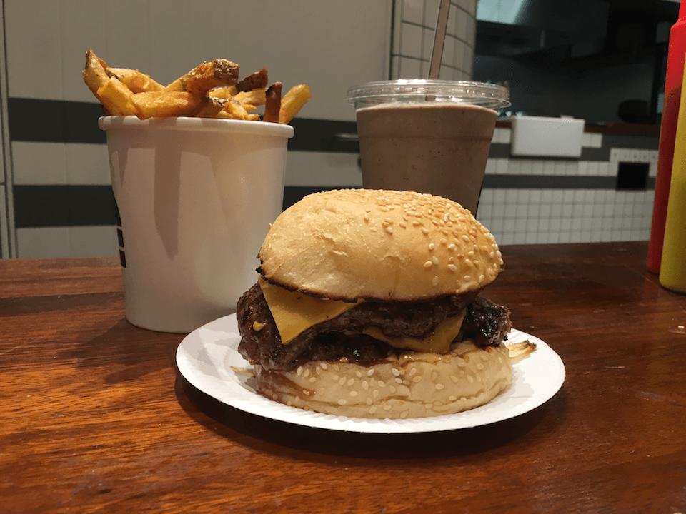 bleecker-burger-double-cheeseburger